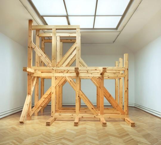 »Industrielles Haus 2«, 2012, Märkische Kiefer, 463 × 460 × 330 cm