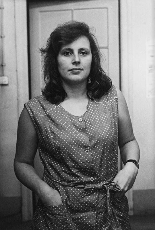 Aus: »Frauen im Bekleidungswerk VEB Treffmodelle Berlin«, 1984, 35,8 × 24 cm, Silbergelatineabzug